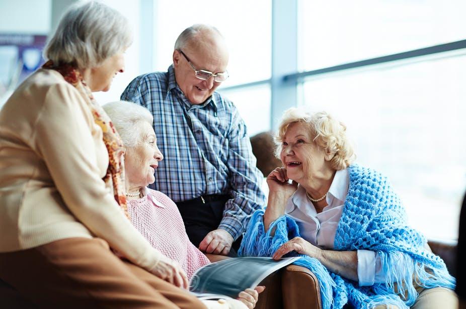 Az idősekről